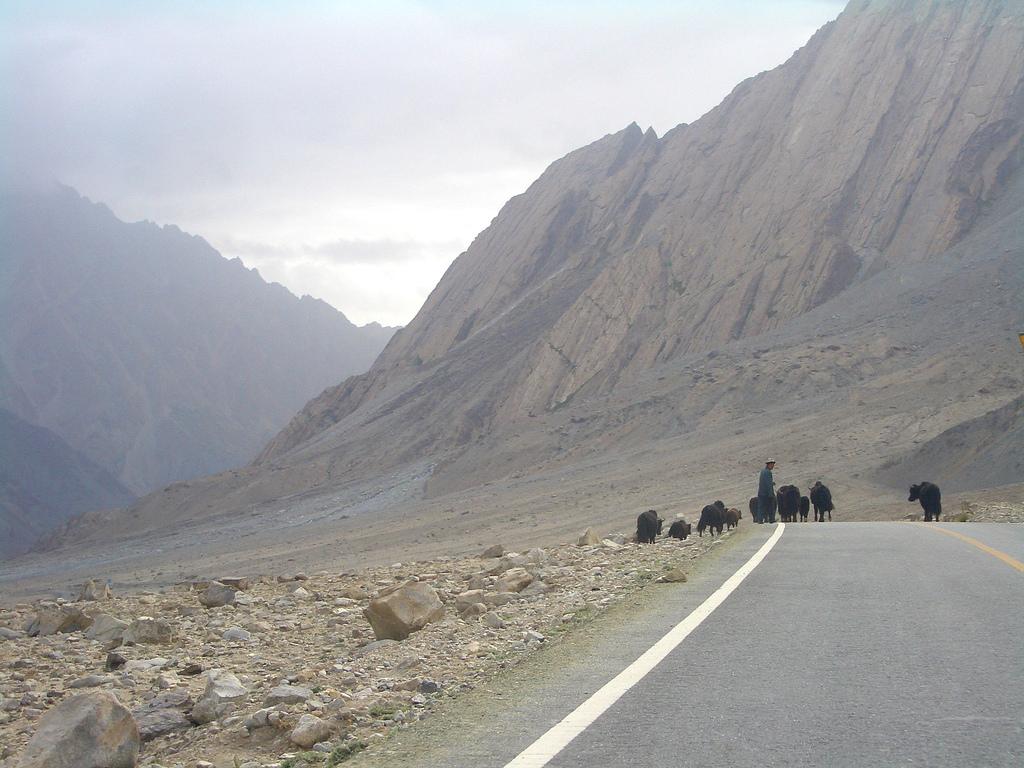 Camino al Lago Karakul